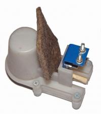 Смазывающее устройство (маслёнка) с кронштейном